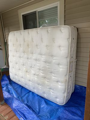 Queen Mattress w/ Box Spring and Frame. FREE! for Sale in Oxford, MI