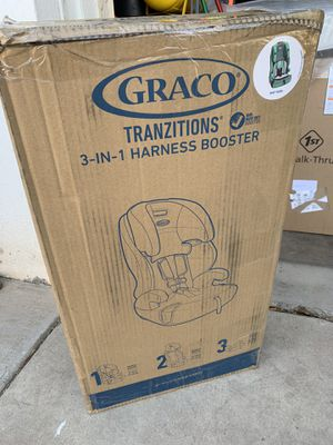 Graco Tranzitions 3 in 1 harness booster for Sale in Phoenix, AZ