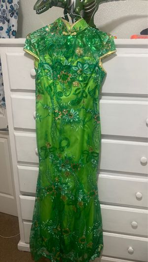 Chinese dress. Pick up only for Sale in Fresno, CA