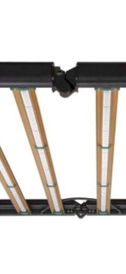 GROWERS CHOICE ROI-E720 LED GROW LIGHT GAVITA FLUENCE LUXX KIND for Sale in Granada Hills, CA