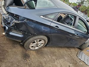 2011 Hyundai sonata for parts for Sale in Philadelphia, PA