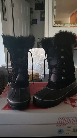 Khombu Snow Boot Womens Size 8 for Sale in Seattle, WA