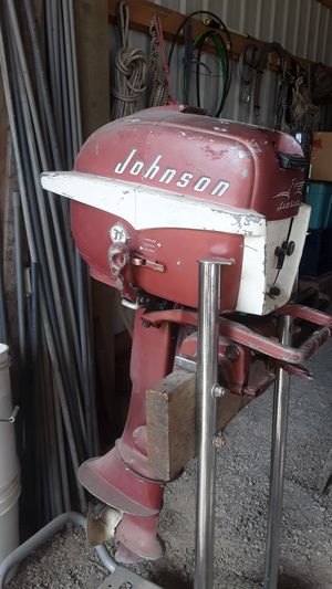 Johnson 7.5 horse outboard motor for Sale in Mulino, OR