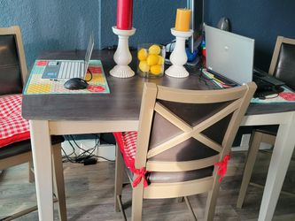 Custom Made Table Must Go for Sale in Puyallup,  WA