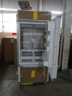 Huge refrigerator bottom freezer for Sale in Dearborn, MI