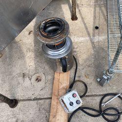 Heavy duty garbage disposal In Sink Era toe Ms for Sale in Bellwood,  IL