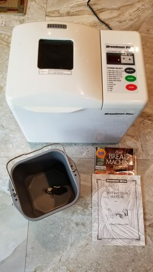 Breadman Plus Automatic Bread Maker Model TR-700 430W for Sale in Hialeah, FL
