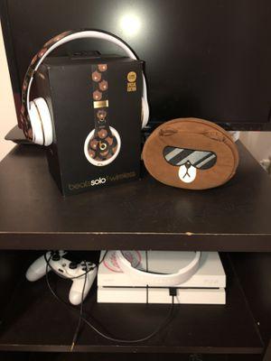 """Beats Solo 3 """" Line Friends Edition"""" for Sale in Miami, FL"""