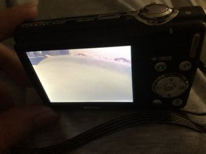 Nikon Coolpix digital camera 20.0mp for Sale in Queens, NY