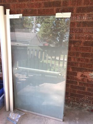 Glass tub doors(Great Condition) for Sale in Granite City, IL