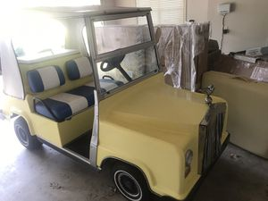 """MOVING MAY 23rd!! NEED IT GONE NOW! 😬 Vintage Rolls Royce """"Royal Ride"""" Golf Cart for Sale in Wetumpka, AL"""