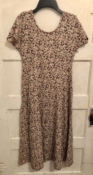 *F*R*E*E* Floral long dress size medium for Sale in Sanger, CA