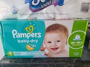 Combo Pampers baby dry 150 count size 4/ up&up baby wipes 8 packs, 800count for Sale in Phoenix, AZ