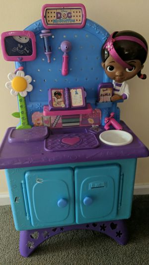 Disney Doc McStuffins Get Better Checkup Center Play Set Pet Vet for Sale in Painesville, OH