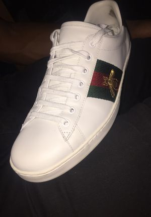 Gucci bee sneakers for Sale in Millville, NJ