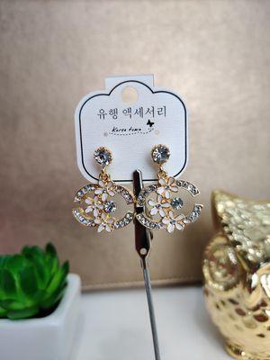 Floral Diamond Earrings for Sale in GLMN HOT SPGS, CA