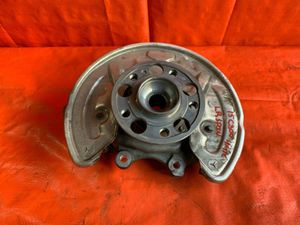 OEM 2015 MERCEDES BENZ C300 W205 4MATIC - DRIVER LEFT REAR SPINDLE KNUCKLE for Sale in Miami Gardens, FL