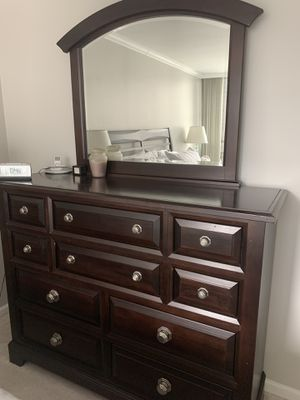 King Size Bedroom Set for Sale in Glencoe, IL