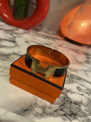Hermes Clic Clac H Bracelet Yellow Gold / Black for Sale in Chandler, AZ