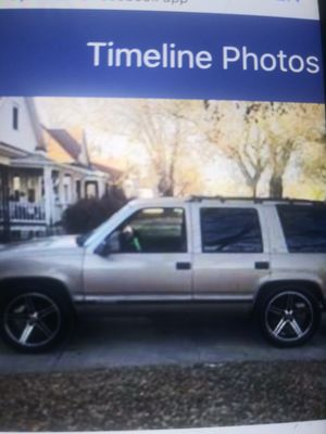 2002 Chevy tahoe for Sale in Parsons, KS