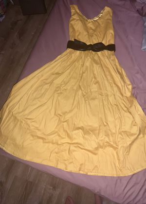 The most interesting shade of yellow, ladies dress size medium for Sale in Bloomingdale, IL