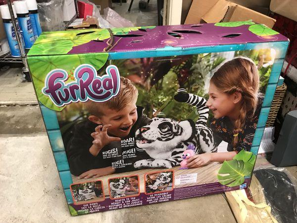 Roarin Ivory FurReal Friends Roarin' Ivory, the Playful Tiger