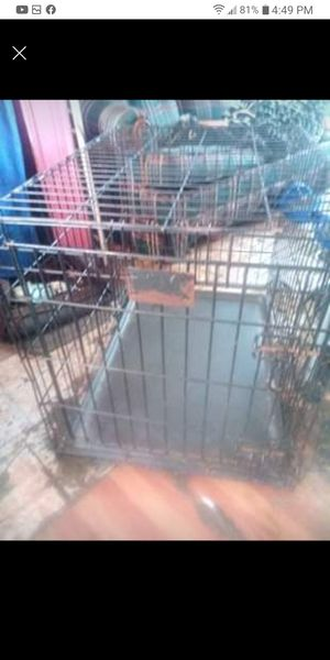 MEDIUM DOG CRATE FOR SALE FOR 40 for Sale in Detroit, MI