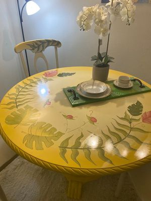 Dining table whit chairs for Sale in Tampa, FL