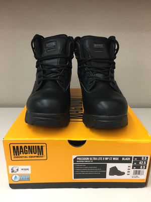 MAGNUM WORK BOOTS SIZE 9 WIDE for Sale in Los Angeles, CA