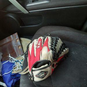 TPX Louisville Slugger 12.75in Softball Glove for Sale in Gilbert, AZ