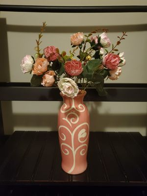 Small Vase with flowers for Sale in Charlotte, NC