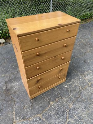 Small Kids dresser for Sale in Garfield Heights, OH