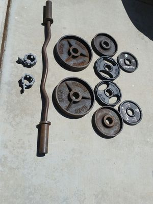 Olympic weights and gym curl bar for Sale in Canyon Lake, CA