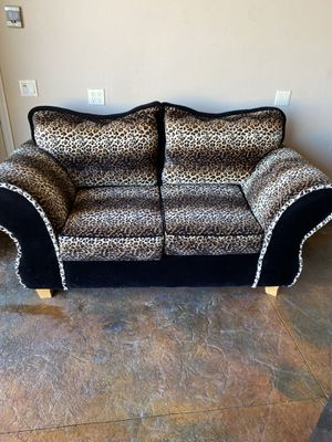 Couch cheetah design for Sale in Corona, CA