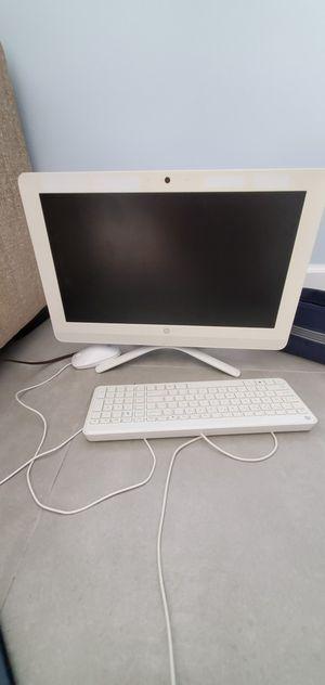Hp all in one desktop 20 inc for Sale in Dania Beach, FL