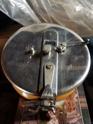 Alvey 700 surf champion reel for Sale in Tracy, CA