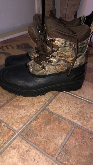 Ozark trail boots size 7 for Sale in Charles Town, WV