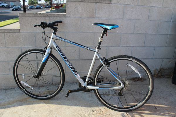 Cannondale Quick 4 Hybrid Bicycle