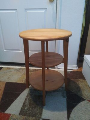Wood End Table (Round) for Sale in Orange, CA
