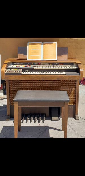 Vintage Hammond Organ w/ bench for Sale in San Jose, CA