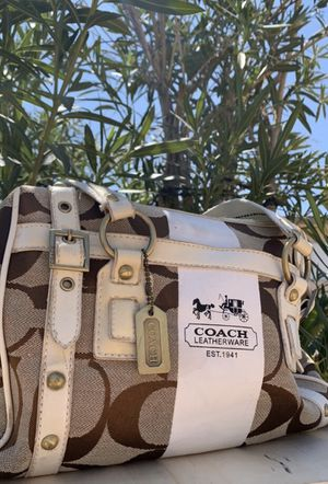 Bags !! Coach !! & many more .. for Sale in Las Vegas, NV