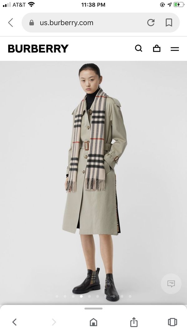 Burberry Classic Check Cashmere Scarf retail $475 Like New! Recently purchased in excellent condition. Authentic Color stone 100% cashmere no rips, t