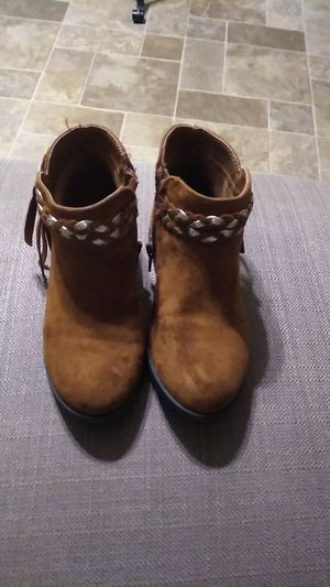 Girls size 10 boots for Sale in Lancaster, PA