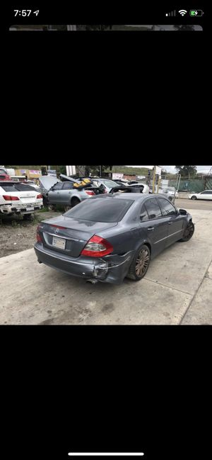 Mercedes E320-E350-E500 for part for Sale in Chula Vista, CA