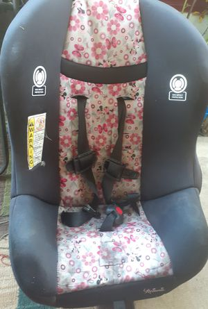 A car seat for Sale in Rancho Cucamonga, CA