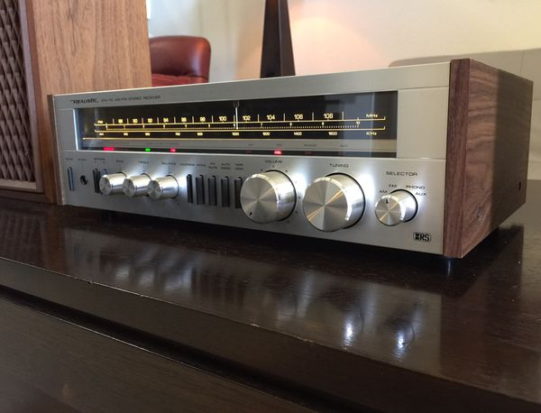 Vintage Silver Face Realistic STA-110 Stereo Receiver & Speakers