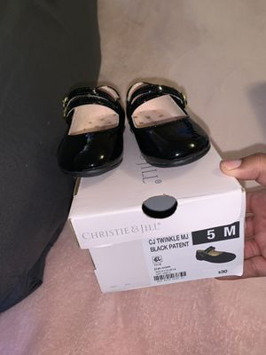 Girl dress shoes 5c for Sale in Palo Alto, CA