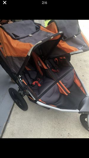 B.O.B Double stroller for Sale in Chicago, IL