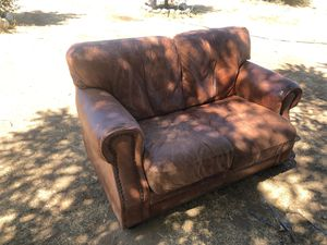 Leather couch for Sale in Oak Glen, CA