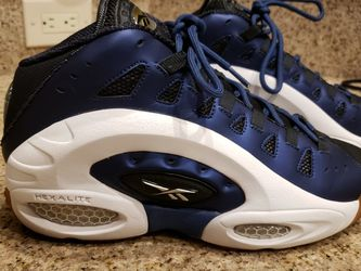 Reebok ES 22 Emmit Smith Shoes for Sale in Nellis Air Force Base,  NV